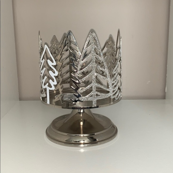 Bath & Body Works Other - Christmas themed Candle holder
